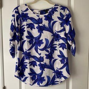 Ann Taylor blue & white floral blouse, Size XS